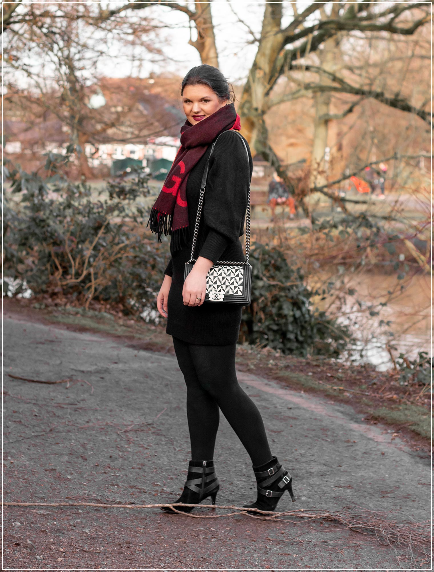 So stylst du einen eleganten Winterlook mit Strickkleid